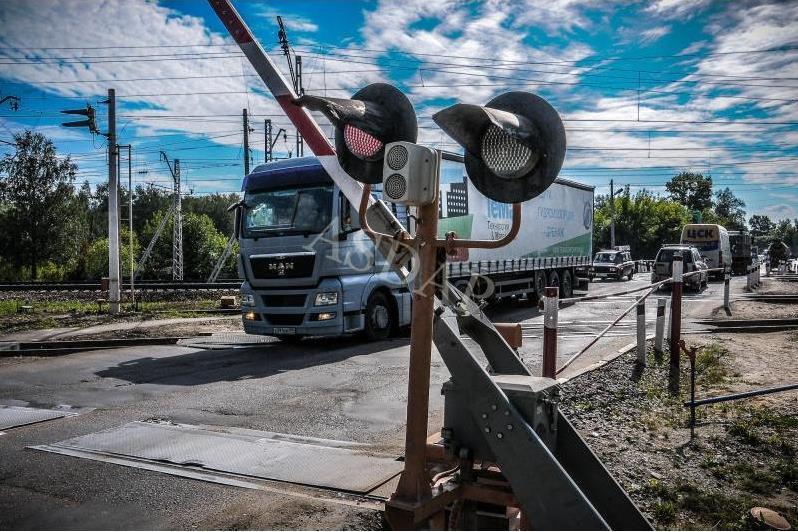 Закон об уточнении порядка оборудования железнодорожных переездов специальными техническими средствами вступит в силу 27 марта