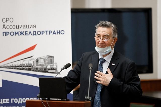 Депутат Госдумы В.Б.Ефимов поздравил Ассоциацию с 25-летием