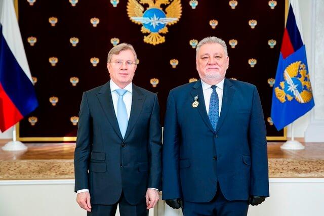 Поздравляем генерального директора АО «Транспорт» А.А.Чукреева с почетной наградой!